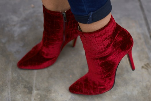 Lady in red winter 2018 fashion trends delilac (12)