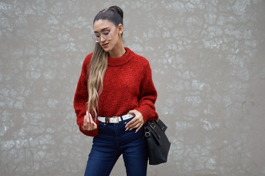 Lady in red winter 2018 fashion trends delilac (4)