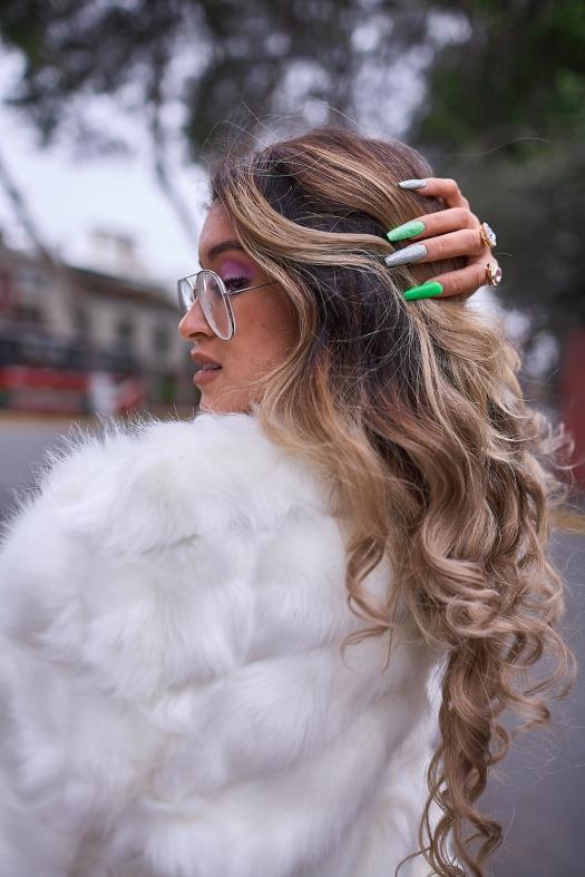 White faux fur coat yoins delilac andrea chavez look (10)