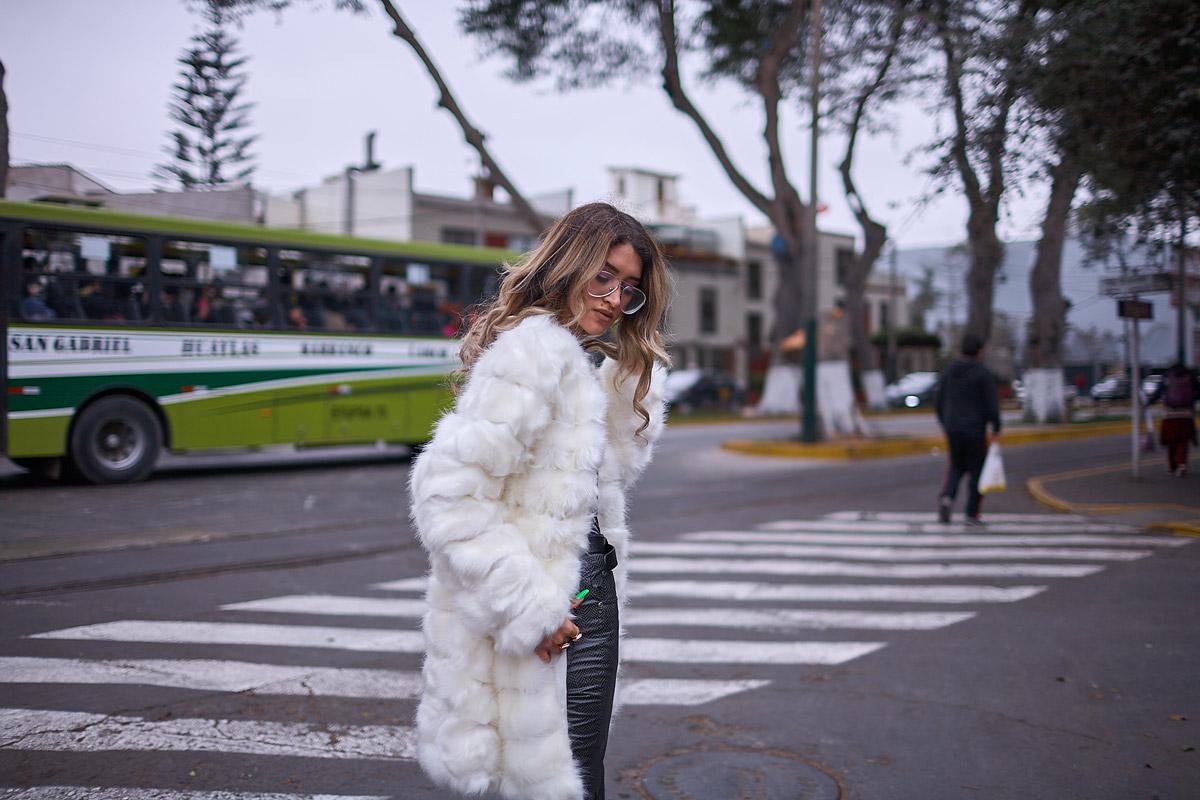 White faux fur coat yoins delilac andrea chavez look (5)