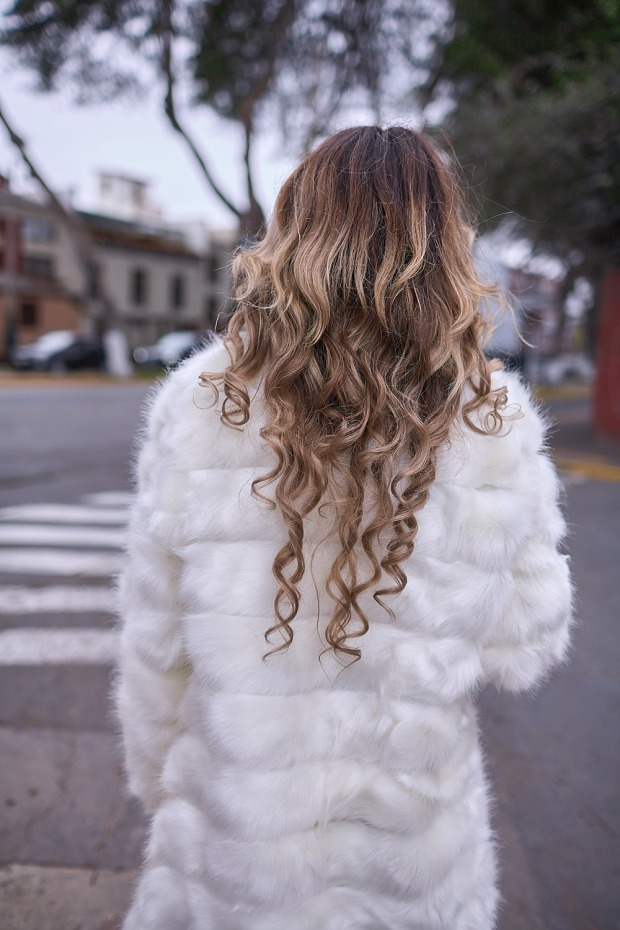 White faux fur coat yoins delilac andrea chavez look (9)