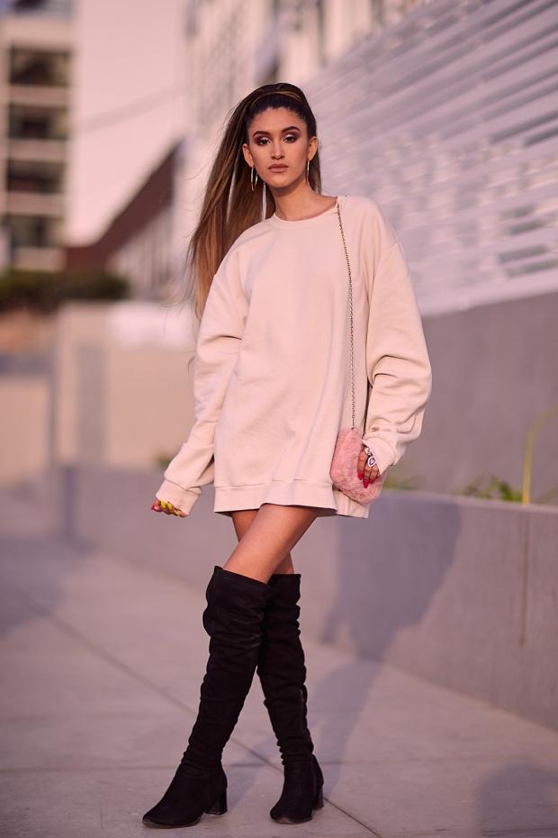 Ariana Grande look delilac overize hoodies (4)